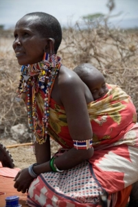amboseli_woman_and_baby_med